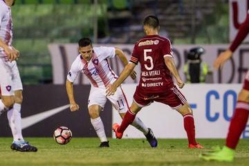 Cerro Porteño vence por 2-1 a Caracas