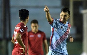Arsenal golea 6-1 a Juan Áurich