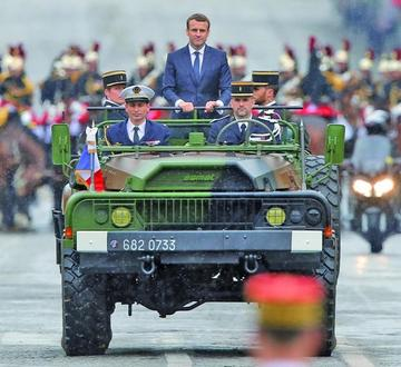 Macron comienza su mandato para construir una Europa fuerte