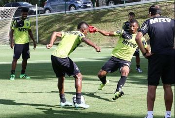 Atlético Mineiro y Godoy Cruz definen al líder del Grupo 6