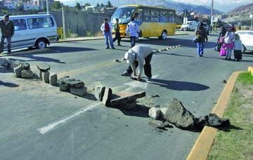 Choferes bloquean La Paz por 24 horas