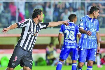 Atlético Mineiro golea 4-1 a Godoy Cruz y lidera el Grupo 6