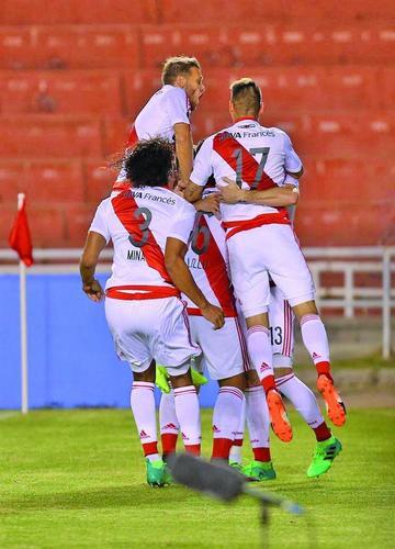 River Plate vence 3-2 a Melgar