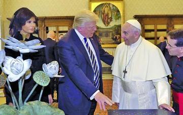 El Papa contagia a Donald Trump en mesaje de paz para el mundo