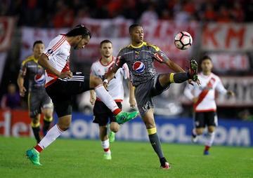 Medellín gana a River pero queda fuera de la Copa
