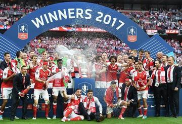 Arsenal gana a Chelsea y logra el título de la FA Cup