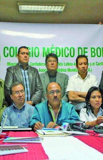 Médicos condicionan atención a demandas para asistir al diálogo