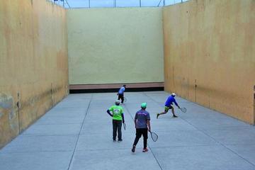 La Asociación de pelota y raqueta frontón recurre a escenarios privados para su torneo