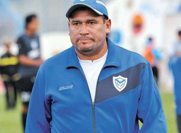 Freddy Cossío deja de ser técnico de San José