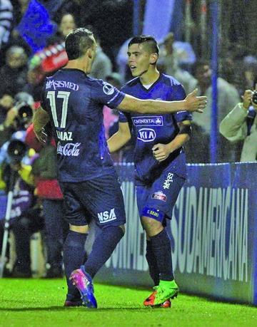Sol de América golea 7-1 a Estudiantes