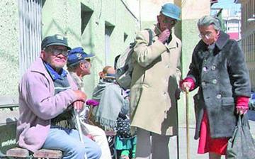 El 70 % de adultos mayores sufre daño en sus derechos