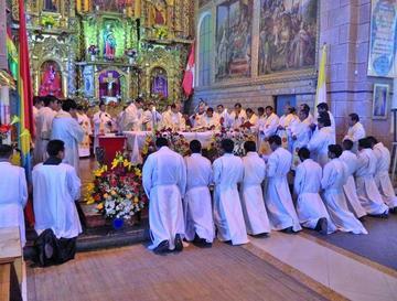 Celebran misa por 25 años de seminario San Juan XXIII