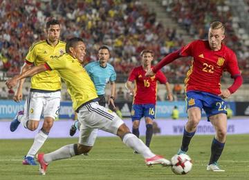 España empata 2-2 con Colombia