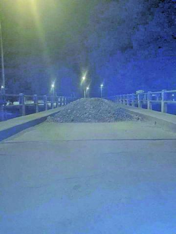 Tupiceños bloquean la carretera por 5 días y todavía no hay diálogo