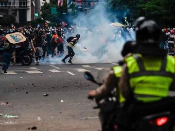 Se disuelve marcha opositora en el este de Caracas tras disparos