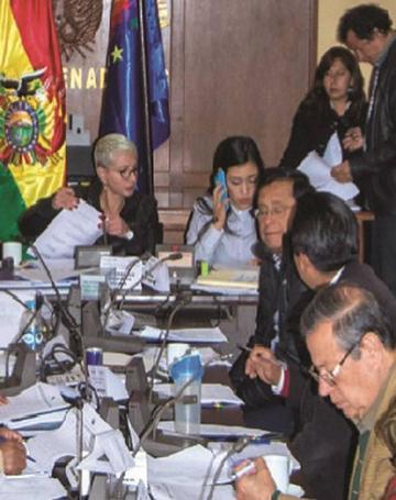 Legislativo posterga las elecciones judiciales para el 3 de diciembre