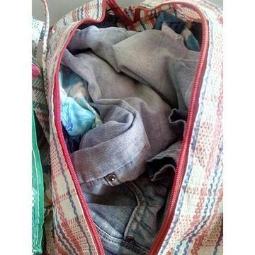 Recolectan  entre 40 a 50 bolsas de ropa abrigada