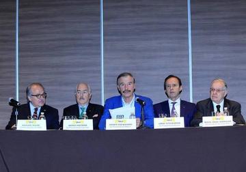 Expresidentes exigen paralizar la constituyente en Venezuela