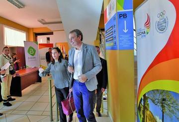 """Zapatero: """"Bolivia pone al mundo en un debate"""""""