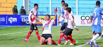 Miguel Hoyos es duda en la banda roja