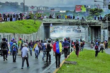 Ya son 75 las personas muertas en las protestas contra Maduro