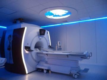 La CNS inaugura su servicio de resonancia magnética