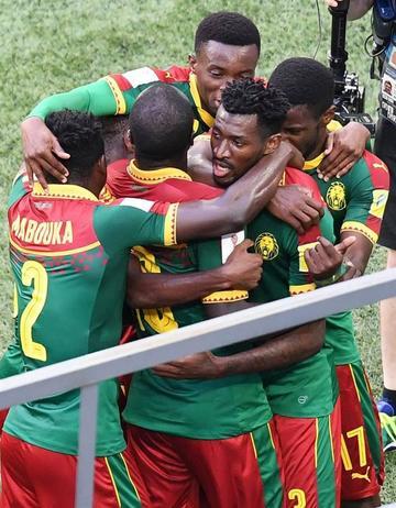 Camerún y Australia se complican la clasificación