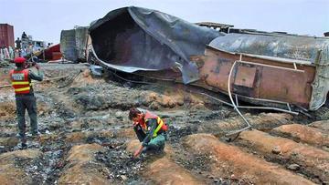 Explosión de cisterna deja 139 personas muertas en Pakistán