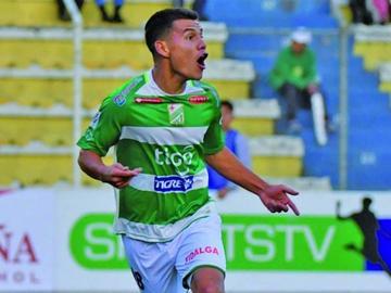 Nacional vuelve goleado de Santa Cruz