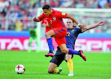 Chile sufre para empatar ante Australia