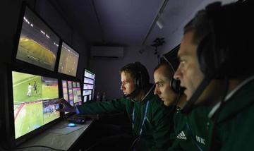 FIFA dice que el videoarbitraje debe mejorar antes del Mundial
