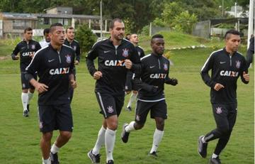 Corinthians viaja sin tres de sus titulares