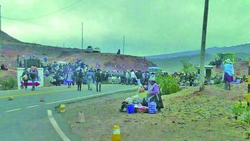 Se suspende bloqueo de la carretera por proyecto vial