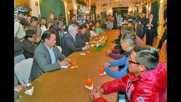 Los nueve bolivianos reiteran su inocencia tras su regreso al país