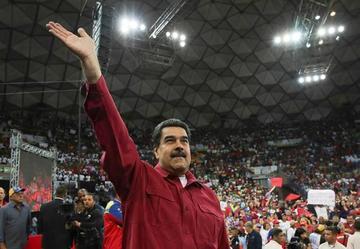 Maduro sube el salario básico en Venezuela en 50 por ciento