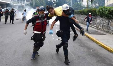 Liberan a decenas de estudiantes detenidos en protesta contra Maduro