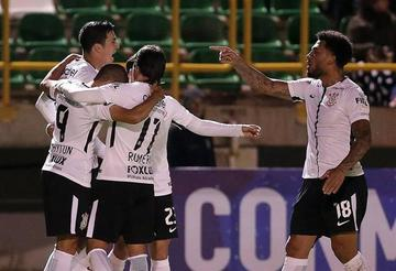 Corinthians vence por la mínima diferencia a Botafogo