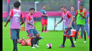 Flamengo viaja para jugar contra Palestino