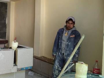 Reportan retraso en obras de baños en el cementerio