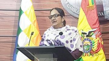 Senadora opositora denuncia corrupción en manejo de bienes de la NAS
