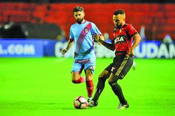 Sport Recife neutraliza al Arsenal Sarandí sobre una pista de patinaje