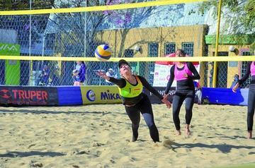 Canedo y Nogales colocan  a Bolivia en la semifinal