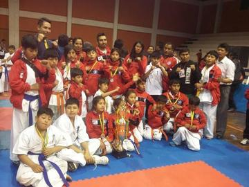 Potosí logra tres oros en nacional de kárate