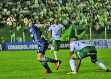 Oriente Petrolero cae en su casa contra Atlético Tucumán