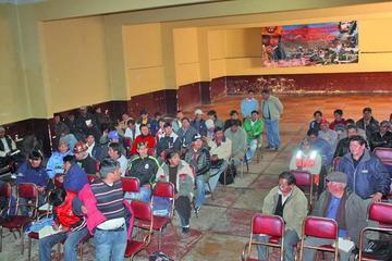 Trabajadores de Potosí acatan paro contra alza de las tarifas eléctricas