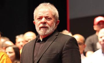 Lula es condenado a nueve años de cárcel por un caso de corrupción