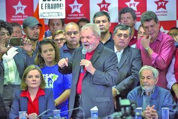 """Lula luchará por su """"inocencia"""" y piensa participar en las elecciones"""