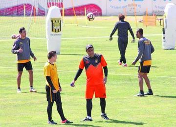 Farías y Chuma están a 90' de dejar el Tigre