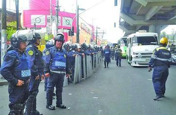 Choque de ladrones y militares  deja cinco muertos en México