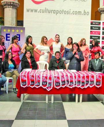 Presentan a las candidatas  al Teen Latina Universo